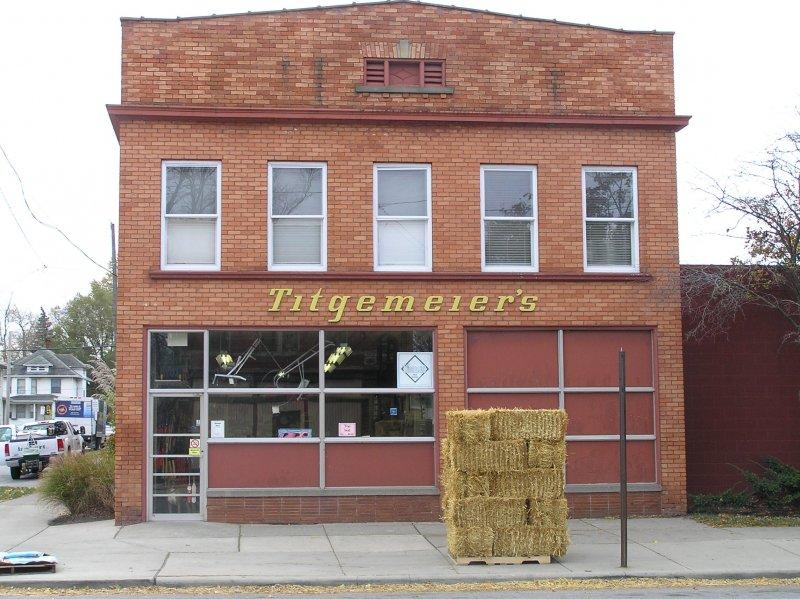 Titgemeiers-front-of-building-01-77d6c9af